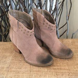 Steve Madden Jessli Distressed Ankle Boots